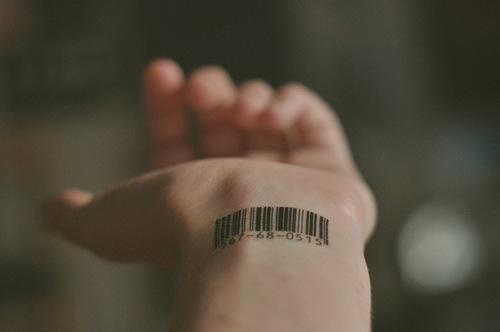 barcode-tattoo-wrist-Favim.com-285124